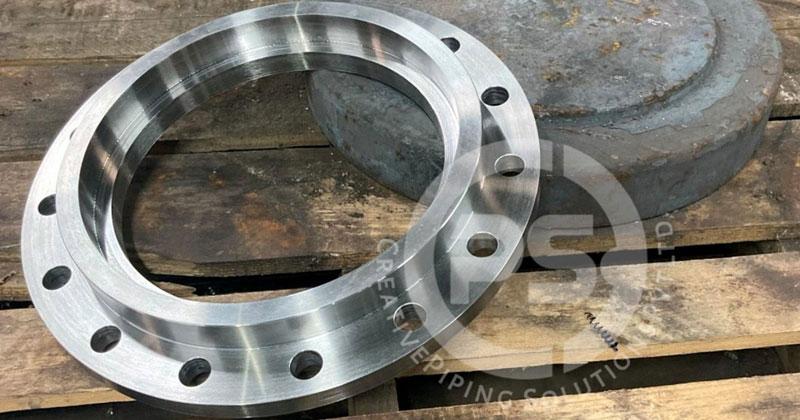 ASME B16.47 / ANSI / ASME B16.5 Socket Weld Flange Manufacturer